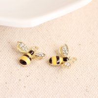 bees wings - 20pcs New Black And Yellow Lovely Bee With Rhinestone Wings Enamel Charm Pendant DIY Bracelet Necklace Jewelry Accessories