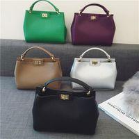 Wholesale 2017 new handbag embossed gold lock bag classic kitten Shoulder Messenger Bag Lady