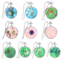 Wholesale Vintage Dry Flowers Locket Necklace Alloy Material Multi Designs with Chain Pads Round Antique Silver Aromatherapy Lockets Pendants Perfume