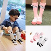 El bebé caliente de la venta pega los calcetines calientes de las muchachas del conejo de la panda de la historieta de las medias de las muchachas calientes calientes calientes del cojín calza el blanco A6812 del algodón del conejito de los calcetines