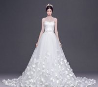 big bosom - Dress Of Winters Petals Bride Wipes Bosom Big Trailing White Wedding Dress Lace wedding Dress