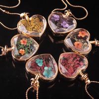 achat en gros de verre de murano collier de fleurs de coeur-Murano en forme de coeur lampwork verre pendentifs aromathérapie pendentif colliers bijoux fleurs sèches parfum flacon bouteille pendentifs collier