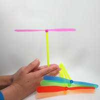 Wholesale Outdoor Fun Sports Toy Hand Rub Bamboo Dragonfly Flying Disk Fly Arrow Bamboo Copter Classic Flight Helicopter Plastic