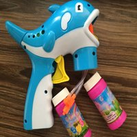 Wholesale Led Flashing Bubble Gun Plastic Blue Dolphin Clown Fish Cartoon Cute Automatic Soap Water Gun Blower Kid Outdoor Toy