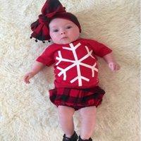 Vêtements d'enfants coton bébé vêtements 2016 Noël flocon de neige t-shirts avec manches courtes + lanternes plaid shorts bébé deux costumes 40 pcs lot