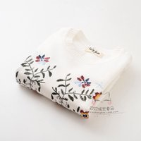 Wholesale The autumn of the new children s lovely flower embroidery sweater knit cotton thread