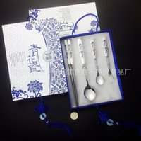 Wholesale Chinese pottery four pieces chopsticks fork soup dinnerware blue and white gift box
