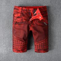 Pantalones vaqueros flacos rojos de los pantalones vaqueros de la manera 2017 para los hombres Pantalones vaqueros mensuales causales cortos punkyes punkyes de Hip Hop de los hombres aptos del diseñador de la marca de fábrica de la cremallera de los hombres
