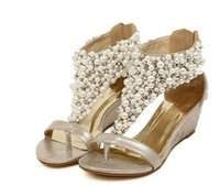 Nuevos zapatos de tacón bajo de la boda de las sandalias rebordeadas brillantes de la cuña de Roma