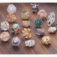 atmospheric mix - The value of brand Weihuo and the wind atmospheric color fashion diamond ring alloy flower Yiwu