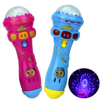 Vente en gros- 2017 LED clignotant Karaoke Chant Microphone Pig Toy Sky stars Projection Ball Light Kids Magic stick pour Enfants Funny Gift