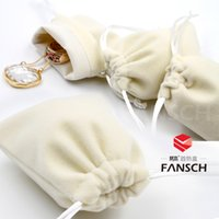 Wholesale High grade rice white flannel bags Jewelry bag strand pockets Ring earrings accessories bags customized ring small bag