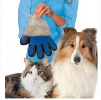 Wholesale Pet Grooming Deshedding Pet Glove True Touch For Gentle And Efficient Grooming Removal Glove Bath Dog Cat Brush Comb