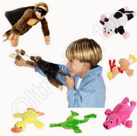 al por mayor suave vaca de juguete-Slingshot Plush Flying Monkey Soft Cute Animal Pig Duck Frog Cow Funny Kids Gift 6 estilos Juguetes de dedo OOA879