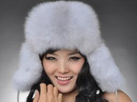 Wholesale 2016 new fashion The fox fur hats during the winter earmuffs female money windproof cap locomotive northeast lei feng s hat