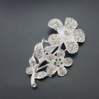 beautiful gift items - Fashion Women Beautiful Silver Color Shiny Rhinestone Crystal Gorgeous Flower Pin Brooch Item No BH7238