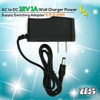 al por mayor cámaras de circuito cerrado de televisión 12v-Venta al por mayor EE.UU. enchufe AC DC cargador convertidor adaptador de alimentación 12V 1A 100V-240V 5.5mm * 2.1mm para cámaras de circuito cerrado de televisión