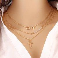 achat en gros de chaîne de croix métallique-Grand tempérament multi-couche de métal collier pendentif croix chanceux 8 collier chaîne Clavicule chaîne de collier de perles de vente au détail de gros