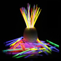 al por mayor palos del resplandor del partido-100pcsMulti Color Fluorescencia Luz Glow Stick Collares Colgantes Collares Neon Party LED Flashing Stick Stick Vocal Concierto Flash Sticks
