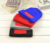 Wholesale Suprem Red Box Logo Fashion Caps Black Blue Red Grey Men Women Uninsex Sports Running Haps Fleece Hip Pop Knitted Caps cm