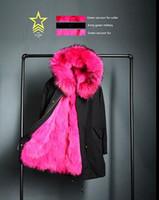 Mr Mme Italie Femmes Veste en coton noir Dames longues fourrures de renard bordées Parka Avec le raton laveur Fur-habillé Hood