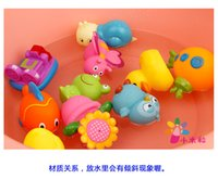 Wholesale very cute Toys Water spray yellow ducklings children water bath toy baby child bath duck is squeezed
