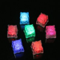 Wholesale Multi Colors Changing Led Ice Cubes for Bar Water Sensor Mini Luminous Cube Flash Light Party Wedding Decoration