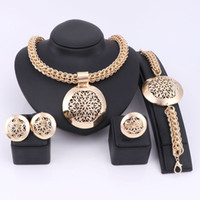 Wholesale Latest Luxury Big Dubai Gold Plated Jewelry Sets Fashion Nigerian Wedding African Beads Costume Necklace Bangle Earring Ring