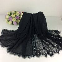 Wholesale Embroidery Flower Borders Plain Shawls Lace Muslim Hijab Shawls Head Wraps Long Scarf Women Luxury Scarf