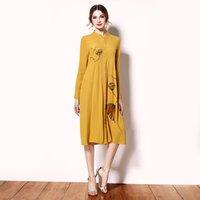 achat en gros de jaune haute robe à col-Haute qualité stand col grande taille jaune robes vintage design desserré imprimé mousseline de soie longue manches OL formelle haut de gamme HQ-050