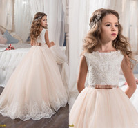 Wholesale Custom Made Flower Girl Dresses for Wedding Blush Pink Princess Tutu Sequined Appliqued Lace Bow Vintage Child First Communion Dresses