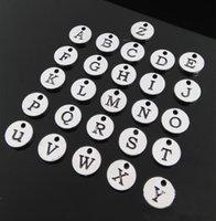 Bracelets de charme initiales France-Grossiste en gros 26 A-Z Alphabet Lettre charmes estampillés Derniers en argent Métal personnalisé initiale correspondant avec avec charme bracelet anneau