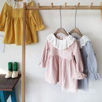 al por mayor cuello vestido de encaje de color amarillo-Nuevo Spring Girls Vestidos Niños Ropa Vestido Trigo Impreso Collar De Encaje De Manga Larga Niños Vestidos Para 2-7T Chica Amarillo Rosa Azul A6069