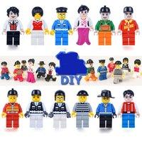 408Pcs / lot Minifigures 12 PC diverso personaje de dibujos animados del personaje de dibujos animados cosmonautMen Modelo de figuras Bloques huecos de juguete educativo