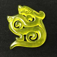 Pendentif de jade de Xiuyu Jaune naturel Pendentif à double face à motif de dragon à double face avec corde libre