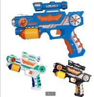 Wholesale Hot electric toy guns with kinds of projection patterns shiny sound projector gun manufacturers