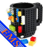 El plástico respetuoso del medio ambiente de la taza de café del estilo de LEGO de la orden 60pcs / lot colorea los colores DIY Drinkware la taza mega de los bloques huecos del pixel de los ladrillos de 12OZ KRE-O K'NEX