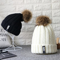Wholesale Letter B Casual Beanies Women Winter Hats Crochet Knitting Wool Cap Fur Pompons Ball Warm Gorros Outdoor Brand Thick Female Cap