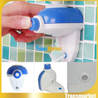 Wholesale Cute Despicable Me Minions Design Set Cartoon Toothbrush Holder Automatic Toothpaste Dispenser