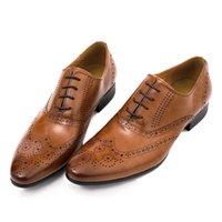 Precio de Los hombres hechos a mano de los zapatos oxford-Hombre Zapatos de vestir Oxfords zapatos Zapatos hechos a mano de encargo Calzado genuino Cuero Derby color Marrón