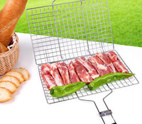 Wholesale BBQ Barbecue Grilling Basket Roast Folder Tool with Wooden Handle Stainless Steel Wire BBQ Food Material for to People Use