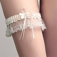 Wholesale 2017 High Quality New Elegant Ivory Satin Wedding Garters Lace Bow Rhineston Bridal Garter Belt Party Accessory For Women