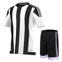 al por mayor juego de la raya negro-Trajes de fútbol hombre adulto fútbol fútbol jersey nombre nombre número blanco y negro rayas respiración fútbol entrenamiento con mangas cortas
