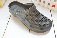 Wholesale Summer EVA couple Crocs shoes breathable flat sandals sandals small garden lovers slip free delivery
