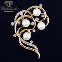 achat en gros de forme irrégulière de conception-Design unique Forme de fleurs irrégulières Perles d'imitation Broche Broches en strass pour femmes Broches Boutonnière pour mariage ZYXW31