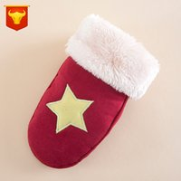 Wholesale The new star bear lovely children s gloves winter warm cartoon gloves baby with plush thickening gloves