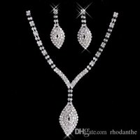 Bon Marché Mariage met en vente-2017 New Rhinestone Cristaux Jewelry Set Cheap Fashion Wedding Evening Prom Accessoires formels Hot Sale Free Shipping Necklace