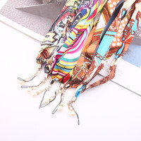 Wholesale scarf mobile phone lanyard mobile phone shell universal ornaments pearl hanging chain hanging neck