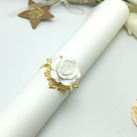 Wholesale Elegant white Rose flower Napkin Rings Gold color Hoops Romantic Nice Looking Hotel Wedding Banquet Table Decoration Accessories