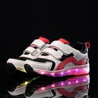 Mode Enfants Chaussures Garçons Filles Led Light Wings Chaussures Enfants Usb Charging Luminous Sneakers Glowing Enfant Bottes Cadeau d'anniversaire